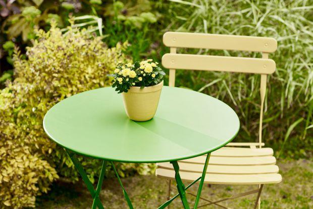 Podczas gdy kolor Pantone na 2017 rok został ujawniony i już pojawia się jako większy lub mniejszy akcent we wnętrzach, modzie, designie czy architekturze, warto mu się przyjrzeć również w aranżacjach ogrodowych.