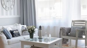 Kwiatowe dodatki, jasne i zwiewne tkaniny, styl marynistyczny oraz Hampton to główne motywy, które na stałe związane są z letnimi miesiącami. Jak w łatwy sposób możemy wprowadzić je do wnętrza?