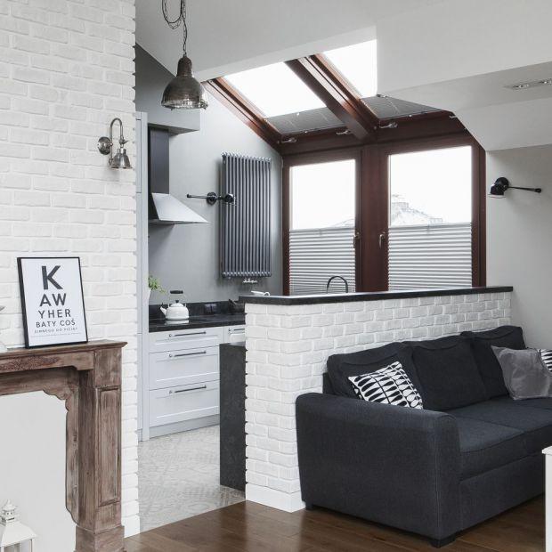 Małe mieszkanie - zobacz projekt z sypialnią na antresoli