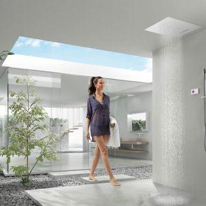 Termostatyczny, elektroniczny zestaw prysznicowy Shower Technology z grupy produktów Tres Exclusive do montażu podtynkowego. Fot. Tres