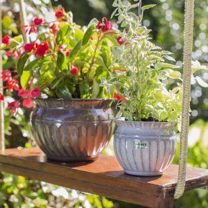 Dekoracyjne osłonki i doniczki na kwiaty. Fot. Galicja dla Twojego Domu