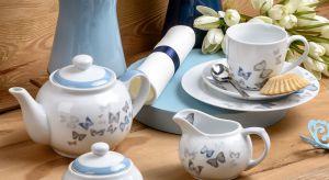 Ciepłe, letnie dni zachęcają do spotkań przy wspólnym stole – w jadalni lub na świeżym powietrzu. W tym roku w aranżacji kuchni i jadalni królować będą egzotyczne kwiaty, barwne motyle, tradycyjna biel, modna zieleń oraz błękit.