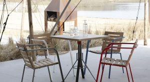 Projektant Ruud-Jan Kokke przygotował nowoczesny i lekki w wyrazie mebel, który sprawdzi się w przydomowych ogródkach, ale także na restauracyjnych i kawiarnianych tarasach.