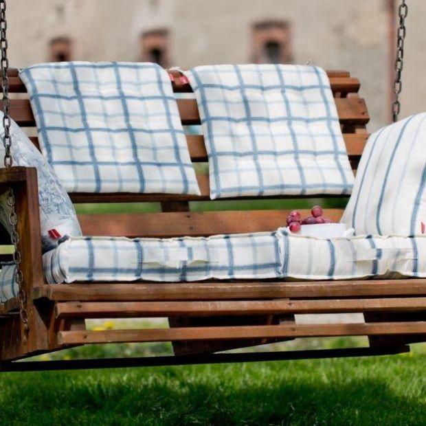 5 dodatków, dzięki którym urządzisz przytulny balkon i taras