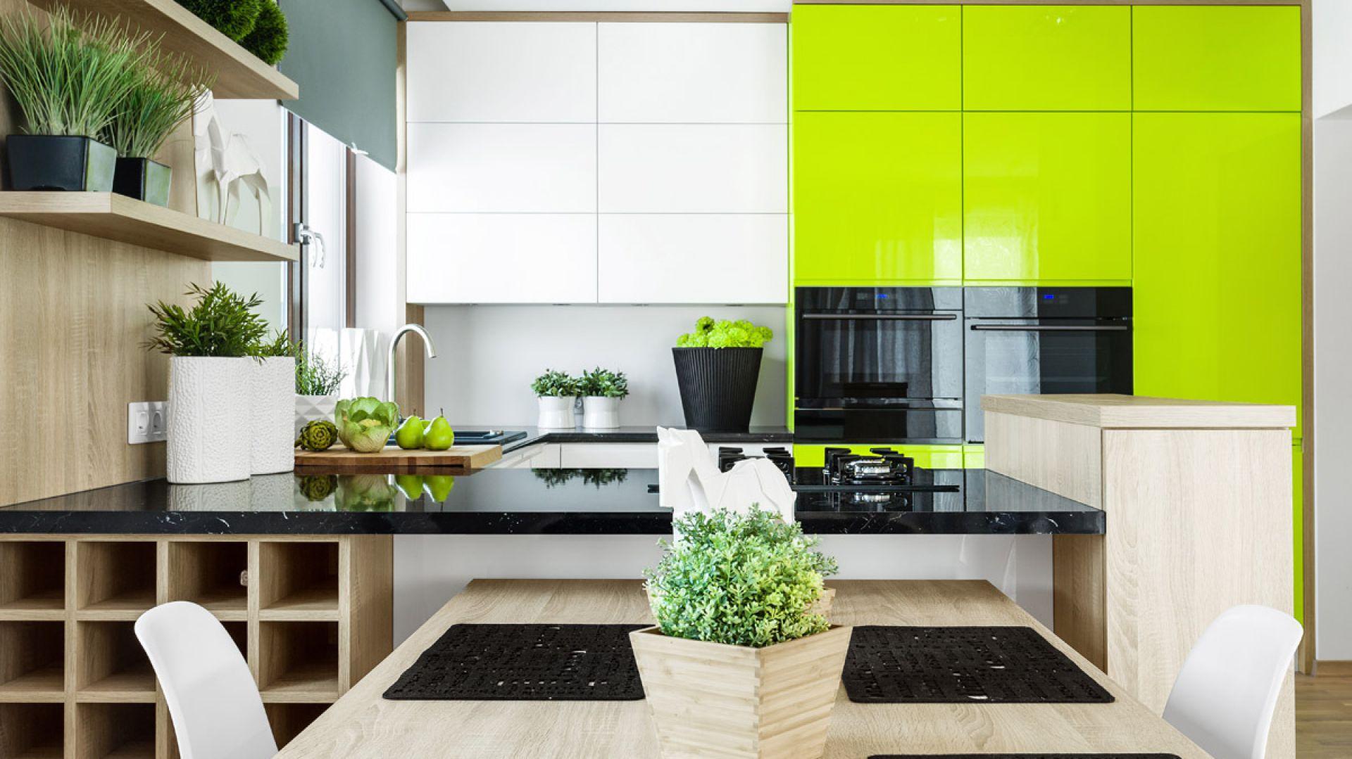 Akrylowe fronty dostępne są w wielu kolorach. Fot. Studio Max Kuchnie Vigo