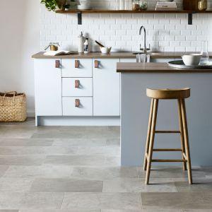 Panele winylowe z kolekcji Amtico Form linia produktowa Contemporary Ceramic. Fot. Carpet Studio