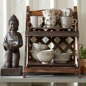 Kubki, miseczki i talerzyki zdobione etnicznym wzorem. Fot. Cellbes