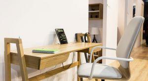 Polska marka Paged, specjalizująca się w meblach wykonanych z drewna przygotowała kilka ciekawych nowości do salonu, jadalni oraz domowego biura.