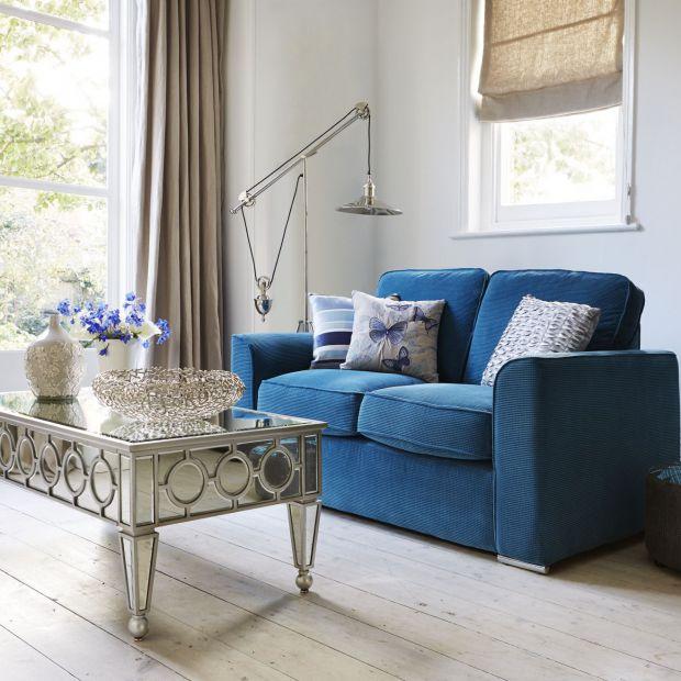 Sofa w salonie. 15 modeli do małego wnętrza