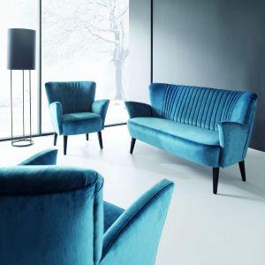 Sofa Coco to doskonała propozycja do stylowego salonu i miłośników klimatów retro. Cena ok. 2.655 zł. Fot. ArisConcept