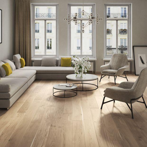 Podłoga do salonu. Piękno dębowego drewna
