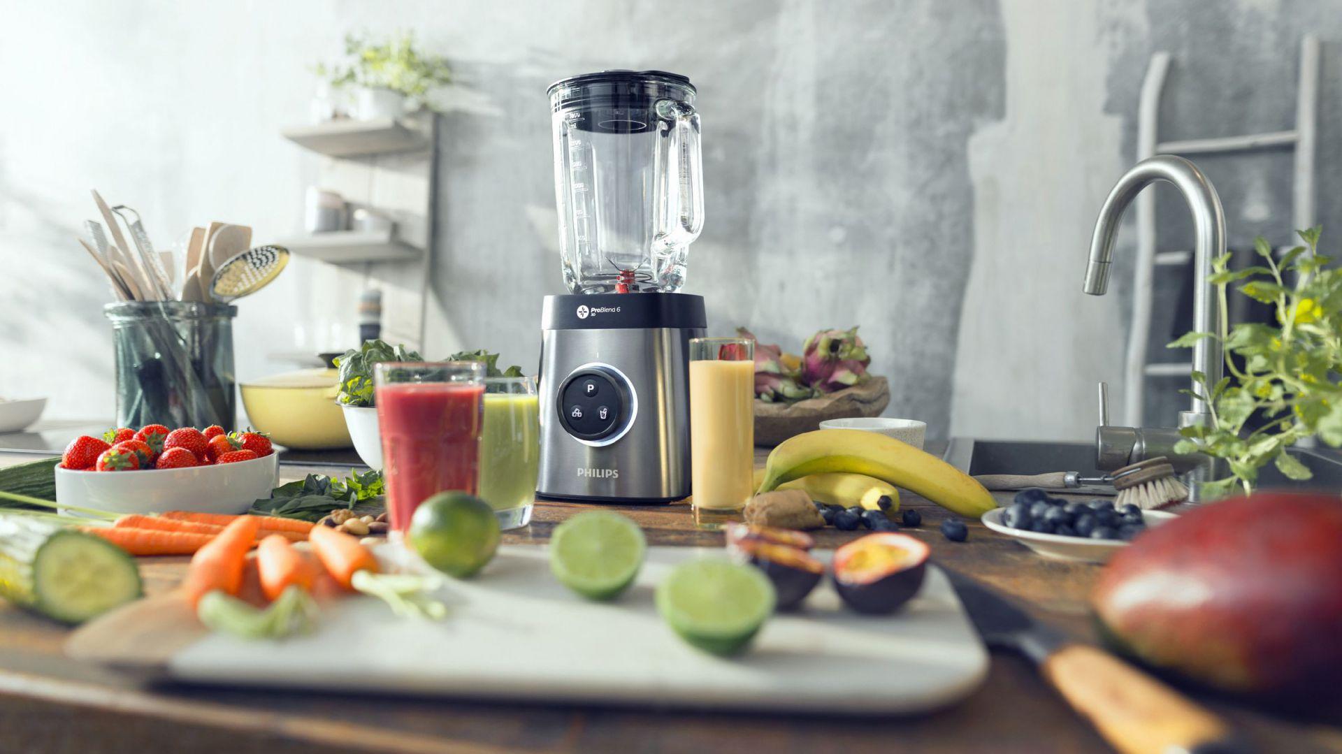 Chłodniki to pomysł na upał - wystarczy w blenderze zmiksować warzywa, dodać jogurt i dużą garść świeżych ziół i cieszyć się sycącym orzeźwieniem. Fot. Philips