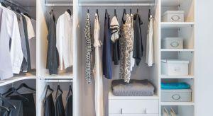 Garderoba to przestrzeń, dzięki której mieszkanie stanie się bardziej funkcjonalne. Zobacz, jak można ją urządzić.
