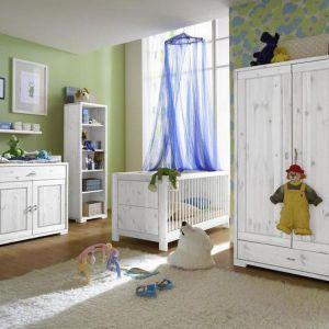 Kolekcja sosnowa do pokoju niemowlęcego. Fot. Seart