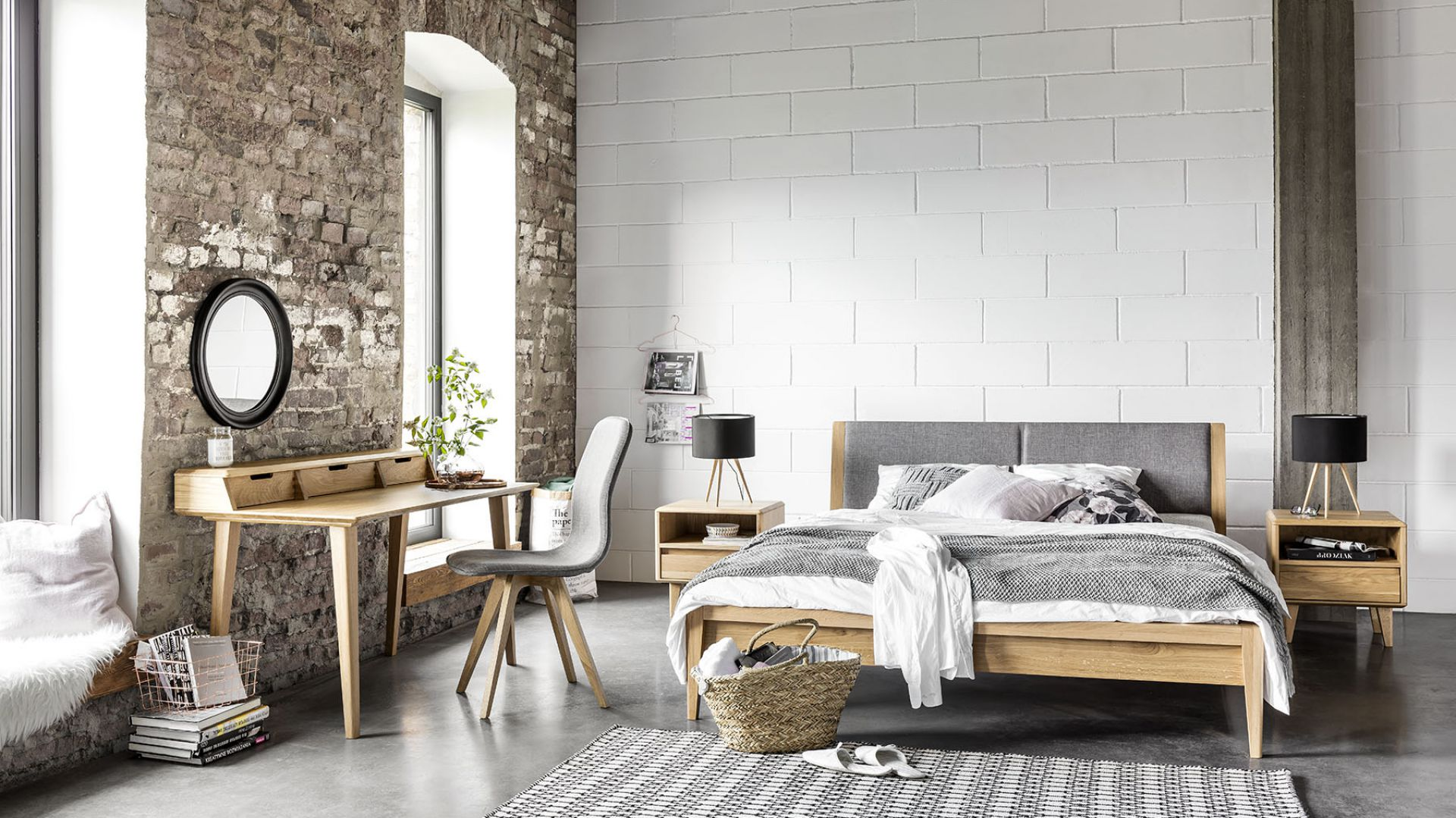Sypialnia Lovell. Zastosowanie drewna dębowego w połączeniu z pięknymi, żywymi kolorami wyróżnia tą kolekcję. Fot. Meble Matkowski