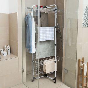 Suszarka Mixer 4 marki Vileda zmieści się również w kabinie prysznicowej. Fot. Vileda