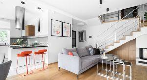 Każde mieszkanie odzwierciedla estetykę i upodobania mieszkańców. Patrząc na tarnowski apartament, nie mamy wątpliwości, że jego wnętrza zamieszkuje osoba, która ceni nowoczesność, dystyngowaną elegancję szlachetnych materiałów i sztukę.