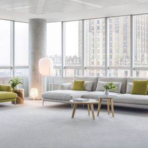 Sofa Classic została zaprojektowana przez  Krystiana Kowalskiego dla firmy Comforty. Zachwyca nowoczesnym designem. Fot. Comforty
