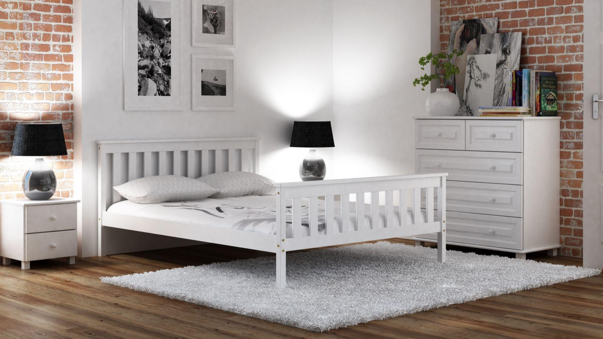 Łóżko Alion w kolorze białym. Fot. Meble Magnat