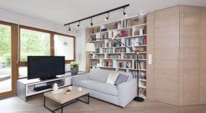 Odpowiednio wyeksponowane miejsce na księgozbiory nie tylko zwiększy funkcjonalność mieszkania, ale też może stanowić jego unikalną dekorację.