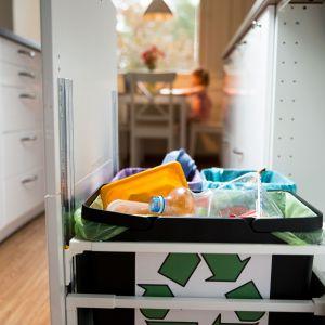 Segregacja śmieci. Fot. Kernau