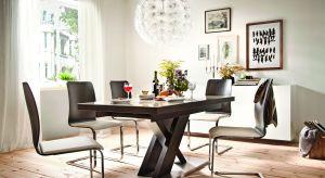 Stół na jednej nodze może być ozdobą całej jadalni. Sprawdźcie jakie modele proponują polscy producenci mebli.