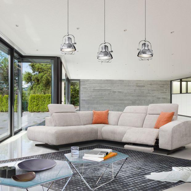 Sofa w salonie. 10 modeli z funkcją relaksu