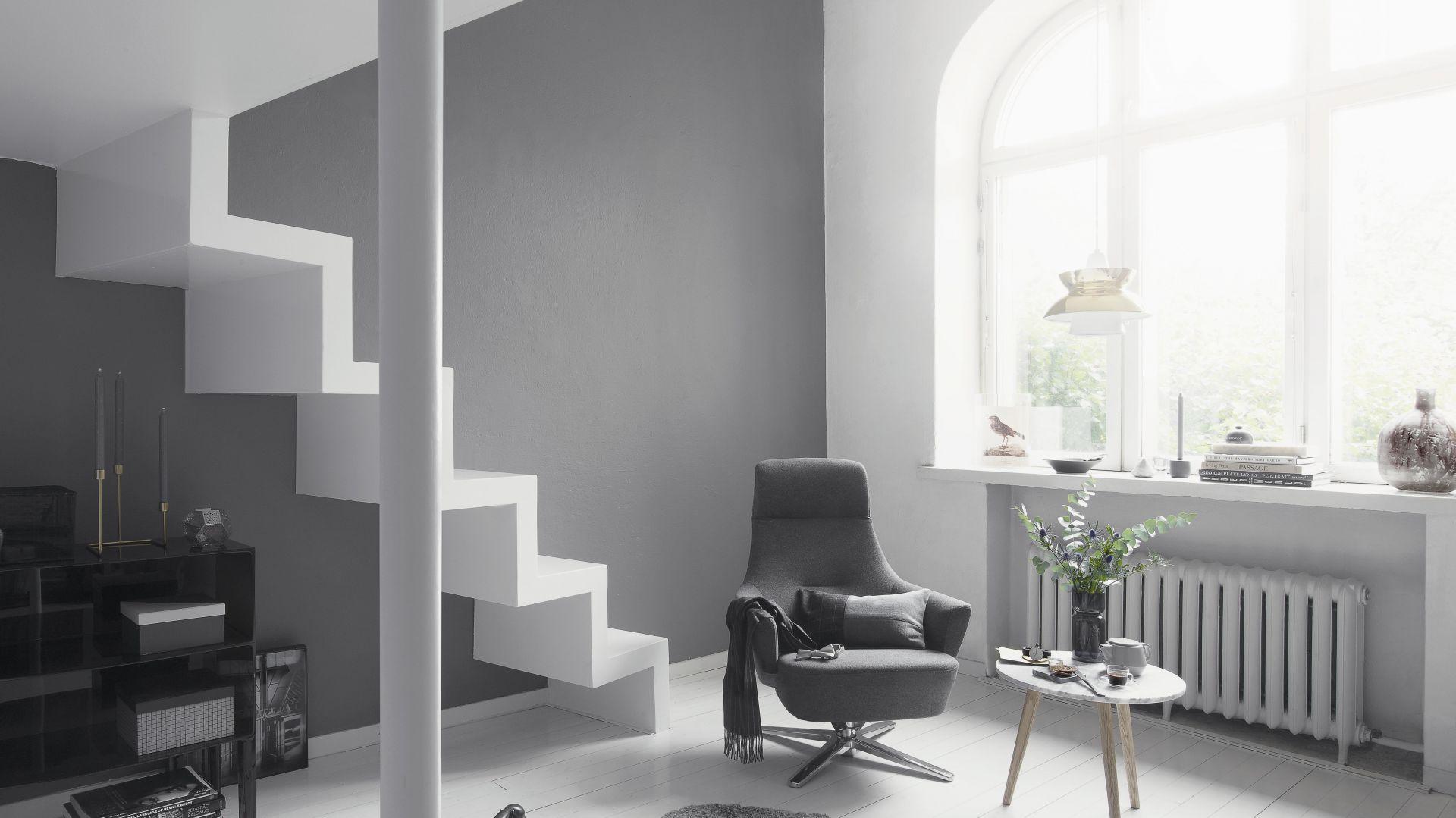 Metamorfoza salonu wcale nie musi wiązać się z dużymi wydatkami i skomplikowanymi pracami – aby odnowić wnętrze, wystarczy zmienić lub odświeżyć kolor różnych powierzchni. Fot. Tikkurila