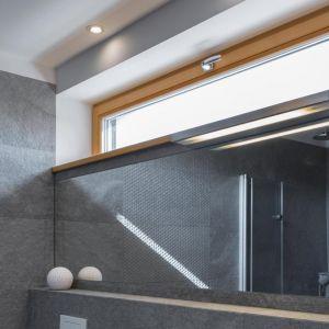 Okna w łazience powinny być odporne na wilgoć. Fot. Sokółka Okna i Drzwi