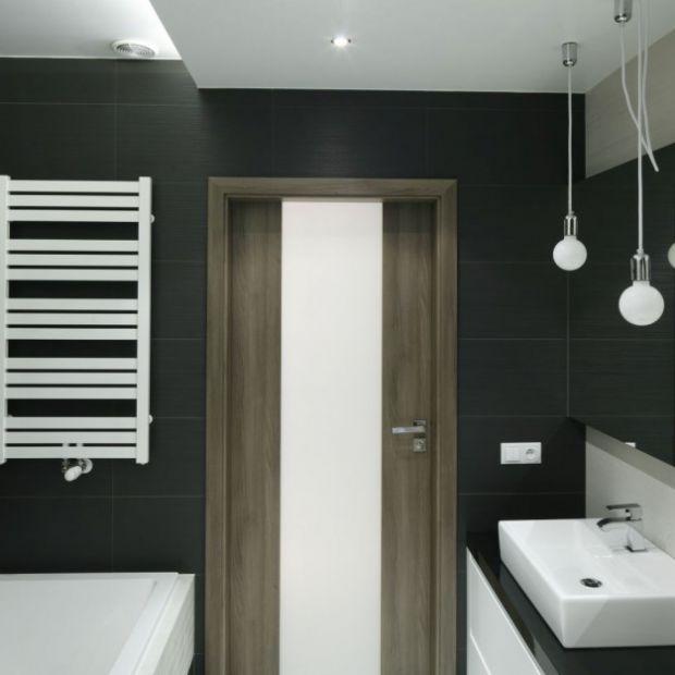 Oświetlenie łazienki: oryginalne pomysły z polskich domów