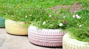 DIY to jeden z najbardziej popularnych trendów, który nie ominął także ogrodów. Kreatywne metamorfozy nadadzą przydomowej przestrzeni czy balkonu zupełnie nieszablonowy klimat.