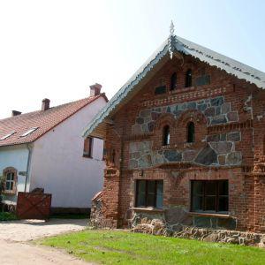 Folwark Bielskie. Projekt: odnowiona przez właścicieli zaadoptowana na budynek mieszkalny. Powierzchnia użytkowa ok. 420 m/kw.