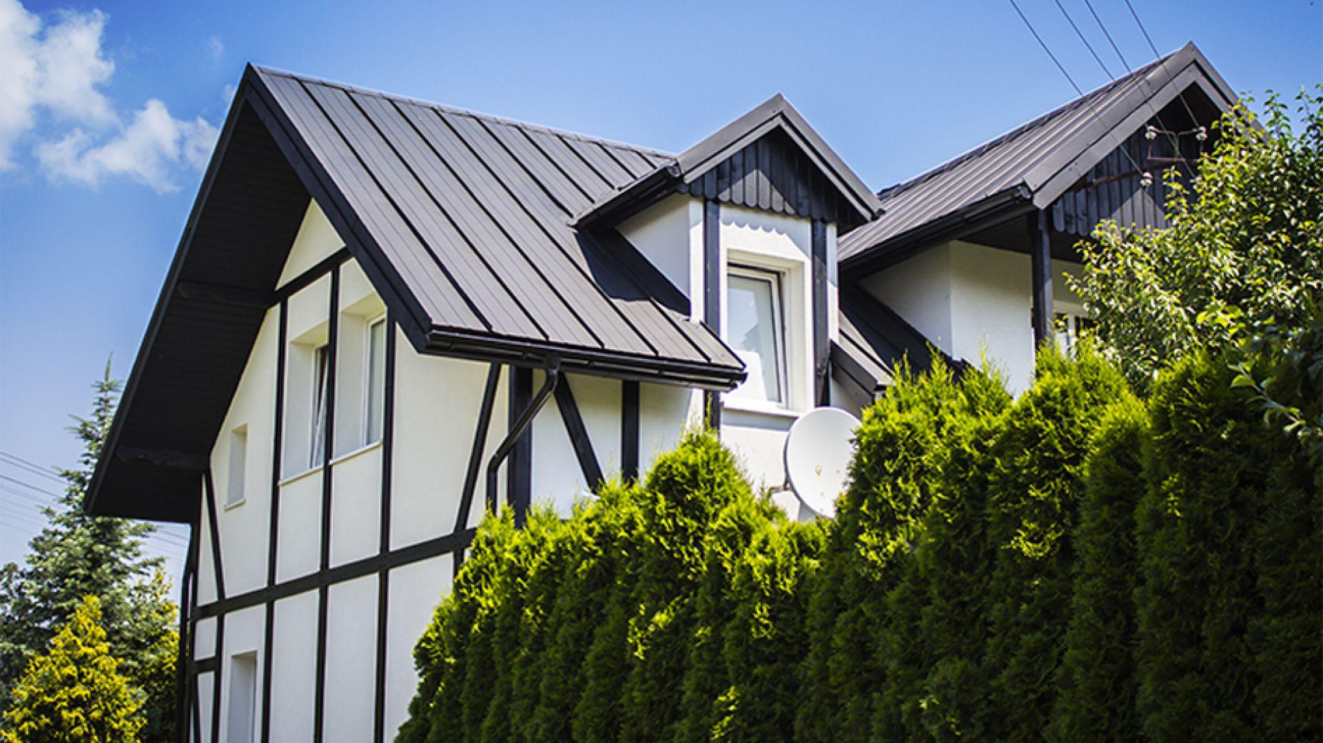 Panel dachowy z rąbkiem stojącym Retro firmy Blachotrapez. Fot. Blachotrapez