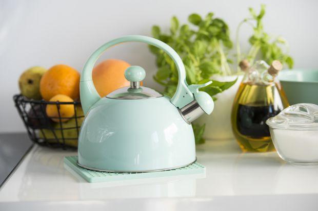 Jak najlepiej urządzić kuchnię, aby była nie tylko pomieszczeniem funkcjonalnym, ale również eleganckim, w którym chętnie przebywamy, przygotowując i często także spożywając posiłki?