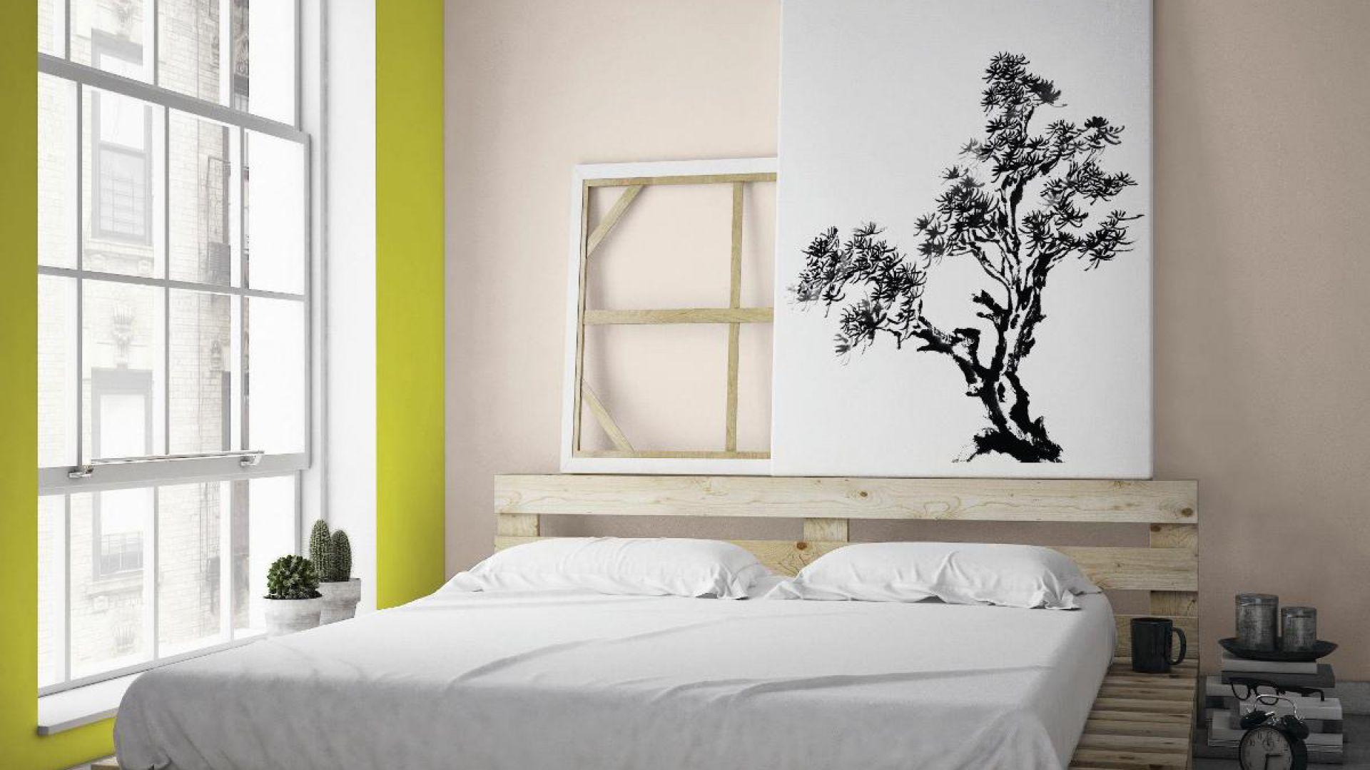 Kontrastowe połączenie kolorów ziemi z wyraźnym odcieniem Wasabi wniesie odrobinę ciekawego smaczku do sypialni. Fot. Beckers