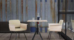 Projektanci Spoinq'a tworzą bardzo spójne stylistycznie kolekcje stołów, krzeseł, foteli i sof w duchu industrialnym. Jednocześnie pozostawiają swoim odbiorcom dużą dozę swobody w kształtowaniu zamawianego modelu.