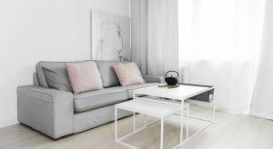 Małe mieszkanie, które przeszło generalną metamorfozę. Urządzone nowocześnie i w modnej stylistyce.
