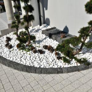 Nawierzchnie ogrodowe z kostki. Fot. Libet