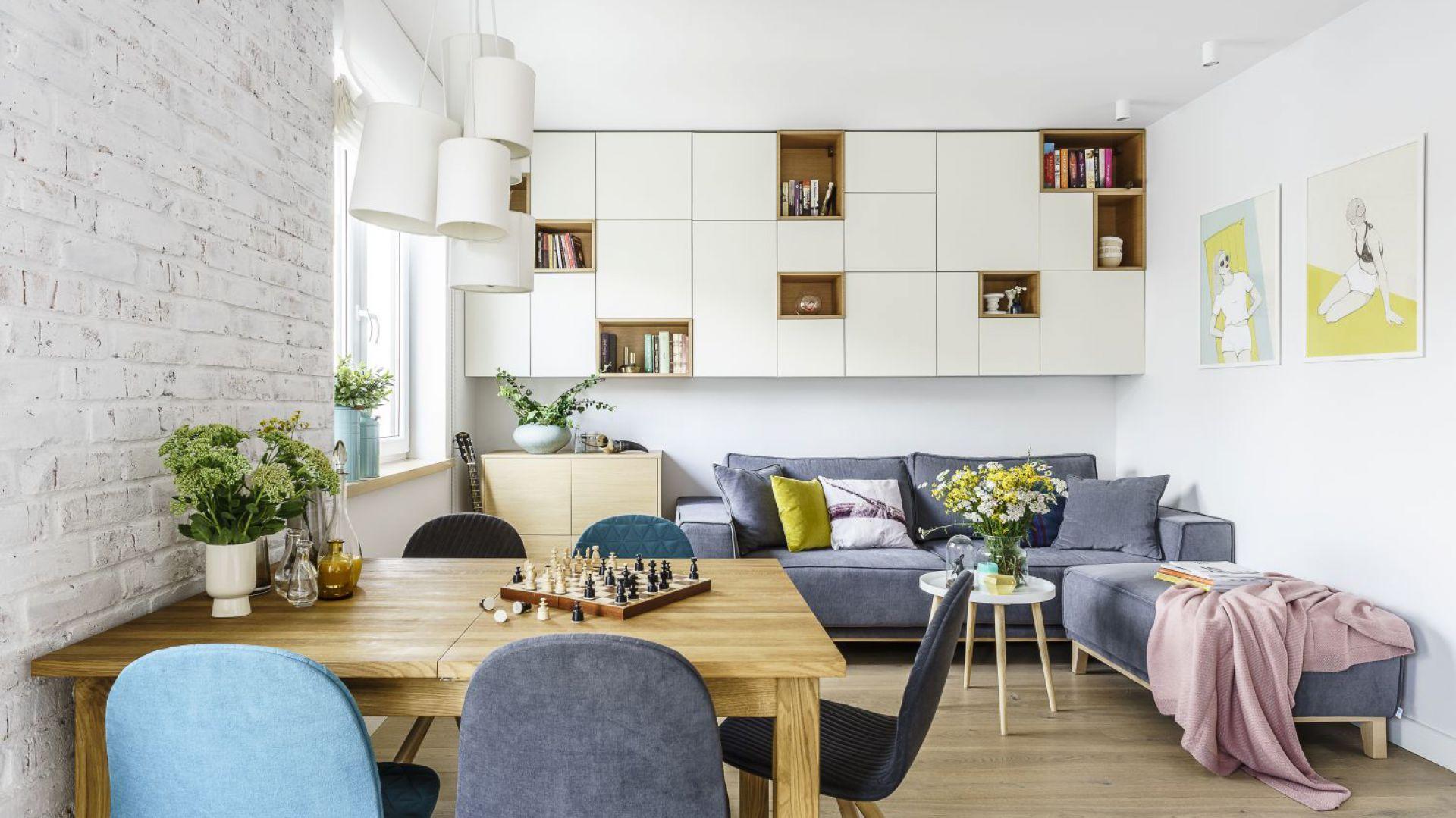Nowoczesne, jasne mieszkanie. Projekt: arch. Joanna Morkowska-Saj, Saje Architekci. Fot. Foto&Mohito