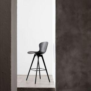 Stołek barowy z kolekcji Adelaide firmy BoConcept. Projekt: Henrik Pedersen. Fot. BoConcept