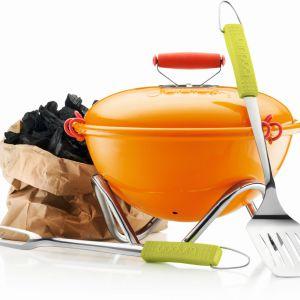 Piknikowy grill Fyrkat jest łatwy do przenoszenia i zajmuje niewiele miejsca. Fot. Bodum