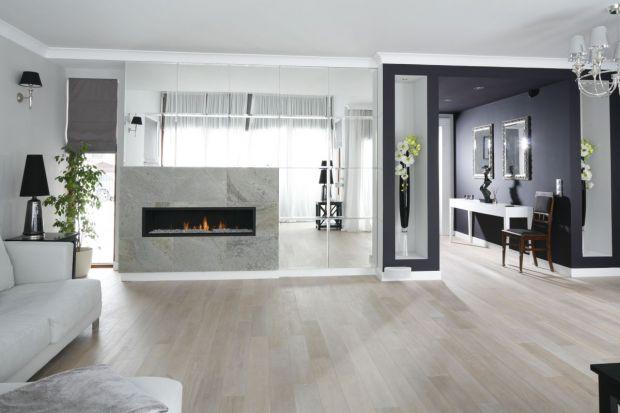 Salon z kominkiem - 20 pięknych wnętrz