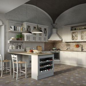 Biała kuchnia z półwyspem. Fot. Home Concept