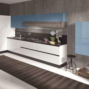 Biała kuchnia na wysoki połysk. Fot. Home Concept