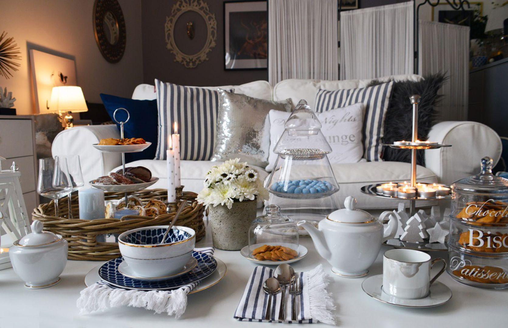 Elegancka patera 3 piętrowa 39,99 zł, wiklinowe tace śniadaniowe - 2 szt. 109,99 zł, szklany słój CHRISTMAS TREE 72,99 zł - wszystkie produkty dostępne w Emako.pl
