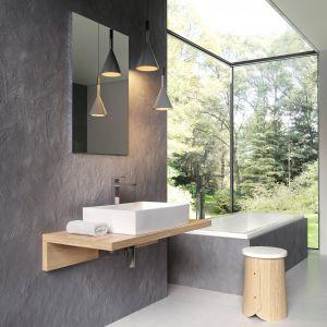 Przestronne umywalki nablatowe o subtelnej linii z konceptu FORMY uzupełniają drewniane blaty dostępne w trzech kolorach (biały, fornir dąb i fornir orzech) i dwóch liniach. Od 1.009 zł/umywalka. Fot. Ravak