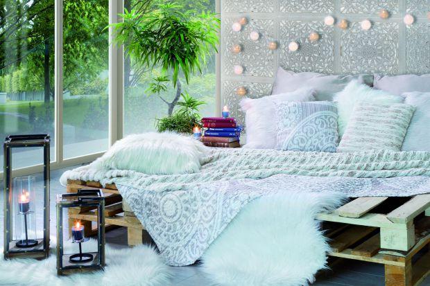Modne tkaniny i dodatki: jesienno-zimowe aranżacje