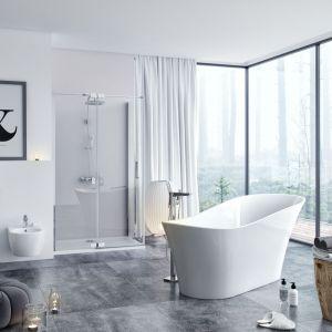 Elegancki wygląd wanny wolno stojącej Mirage + zapewnia subtelny rant z akrylu sanitarnego. Fot. Excellent