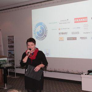 Studio Dobrych Rozwiązań we Wrocławiu - spotkanie zaczęła Justyna Łotowska, szef redakcji Publikatora, organizatora wydarzenia
