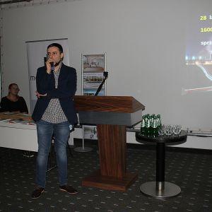 Piotr Stępniak, specjalista ds. szkoleń Ceramiki Paradyż poprowadził wykład marki na temat trendów 2017/2018. Ceramika Paradyż była partnerem głównym naszego wydarzenia
